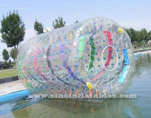Rodillo zorb inflable largo y claro con cintas de colores