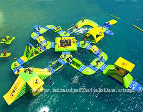combinated giant inflatable water park