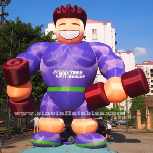 gigante en cualquier momento fitness hombre musculoso inflable