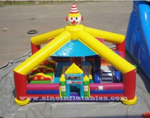 payaso inflable playaground