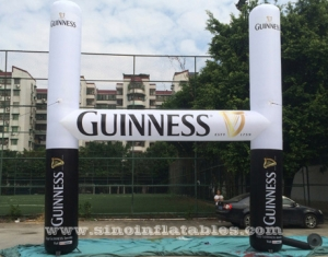 exterior guinness publicidad arco inflable