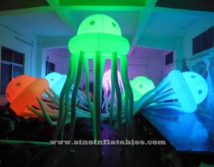 Medusas inflables con luces led.
